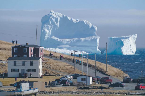 """Topnienie lodowców uznaje się za jeden z potencjalnych """"punktów krytycznych"""" zmiany klimatu."""