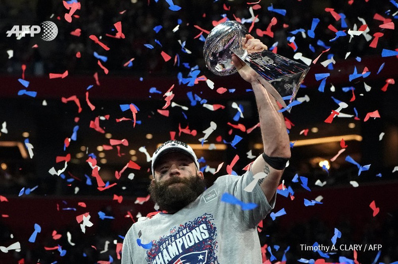 Julian Edelman receives 10 passes for 141 yards, a performance that earned him the trophy of best player in the final (Timothy A.Curry/AFP)