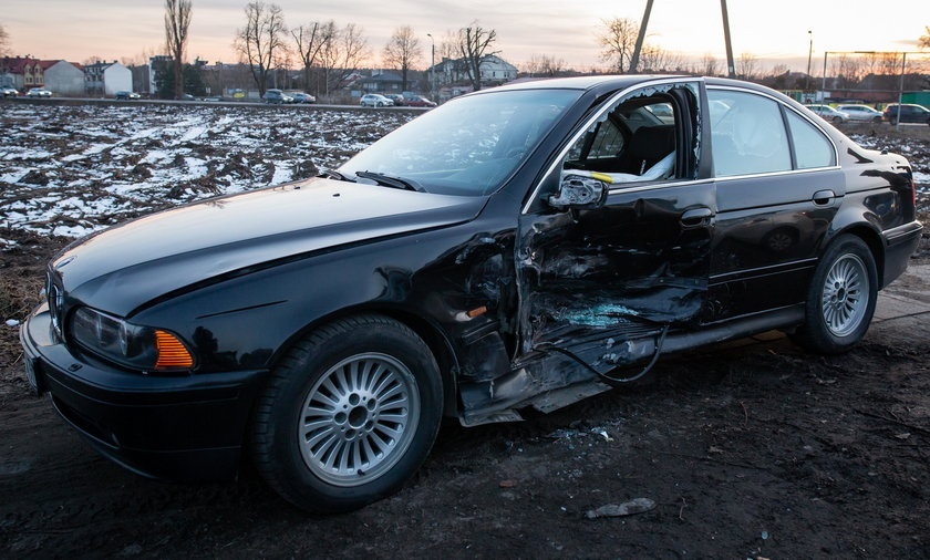 Wypadek rzadowego BMW pod Warszawa