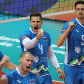 SENZACIJA NA EVROPSKOM PRVENSTVU! Slovenija u finalu nakon mega drame i deset meč lopti, Srbiji skočile šanse za zlato - ako prođe