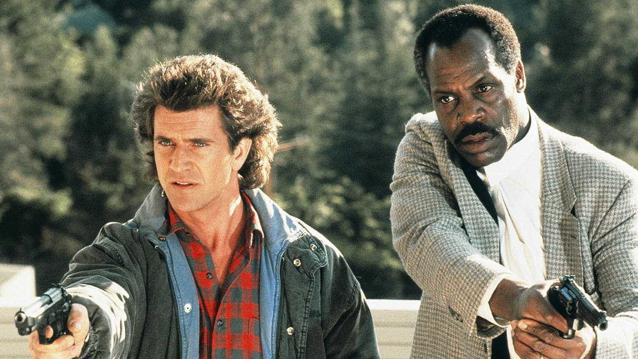 """Mel Gibson i Danny Glover jako Martin Riggs i Roger Murtaugh w filmie z serii """"Zabójcza broń"""""""
