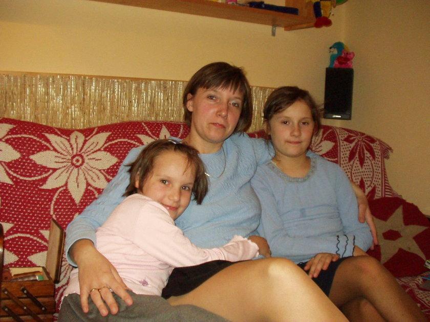 Emilia Bendik z córeczkami - Moniką i Sylwią