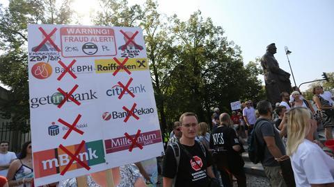 Na zdjęciu: demonstracja frankowiczów w Warszawie we wrześniu 2016 roku