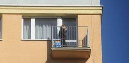Dwulatek uwięził mamę na balkonie