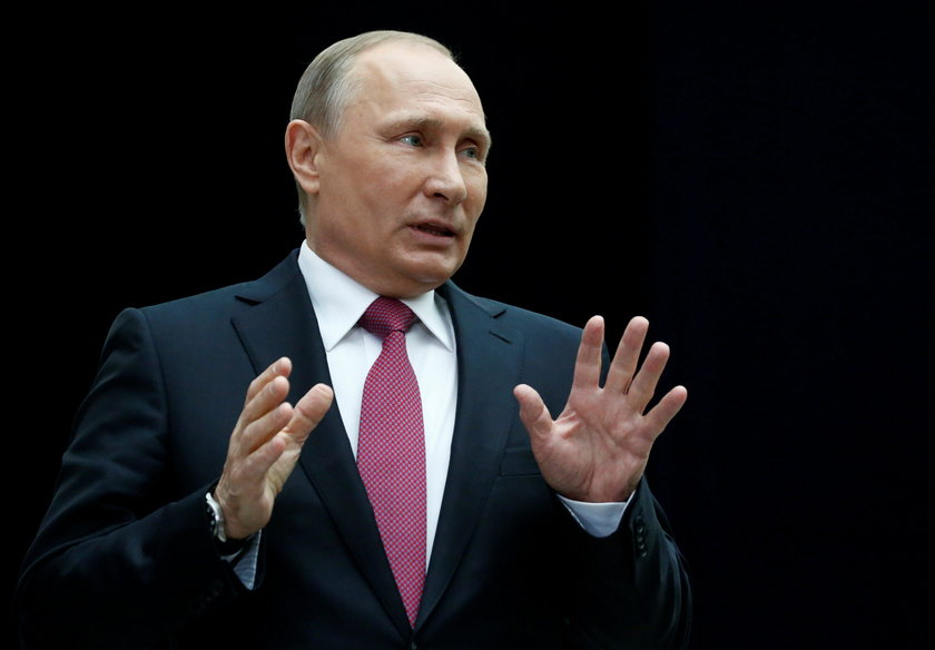Lecąc ta trasą, jak zwraca uwagę agencja, maszyna ominęła Białoruś i wschodnie kraje członkowskie NATO