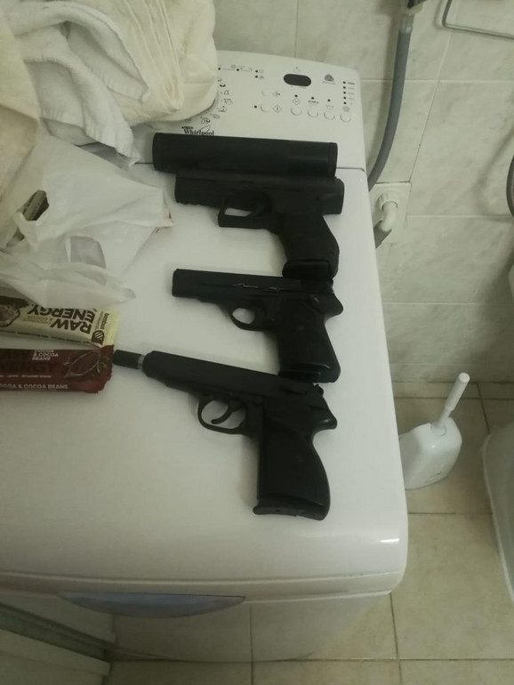 Pištolji zaplenjeni u akciji