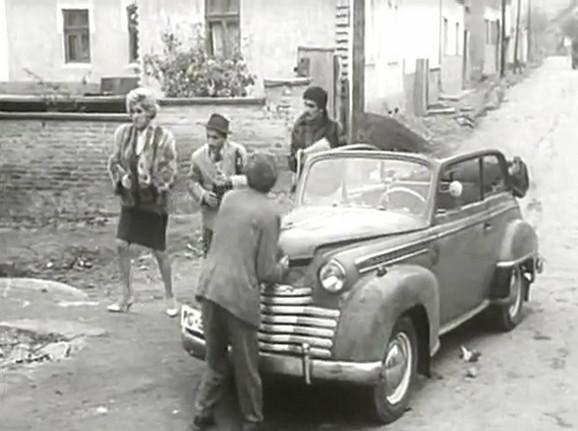 """U filmu """"Kad budem mrtav i beo"""" Živojina Pavlovića iz 1967. godine, Ružica je kao pevačica Duška skrenula pažnju publike."""
