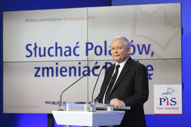 Jarosław Kaczyński podczas konferencji prasowej. Fot. PAP/Leszek Szymański