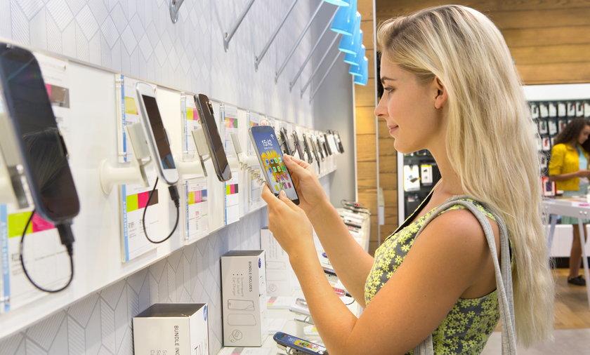 Opłata reprograficzna podniesie ceny wielu urządzeń elektronicznych - nie mają wątpliwości eksperci, ale smartfony ominie - wynika z projektu zmian w ustawie.