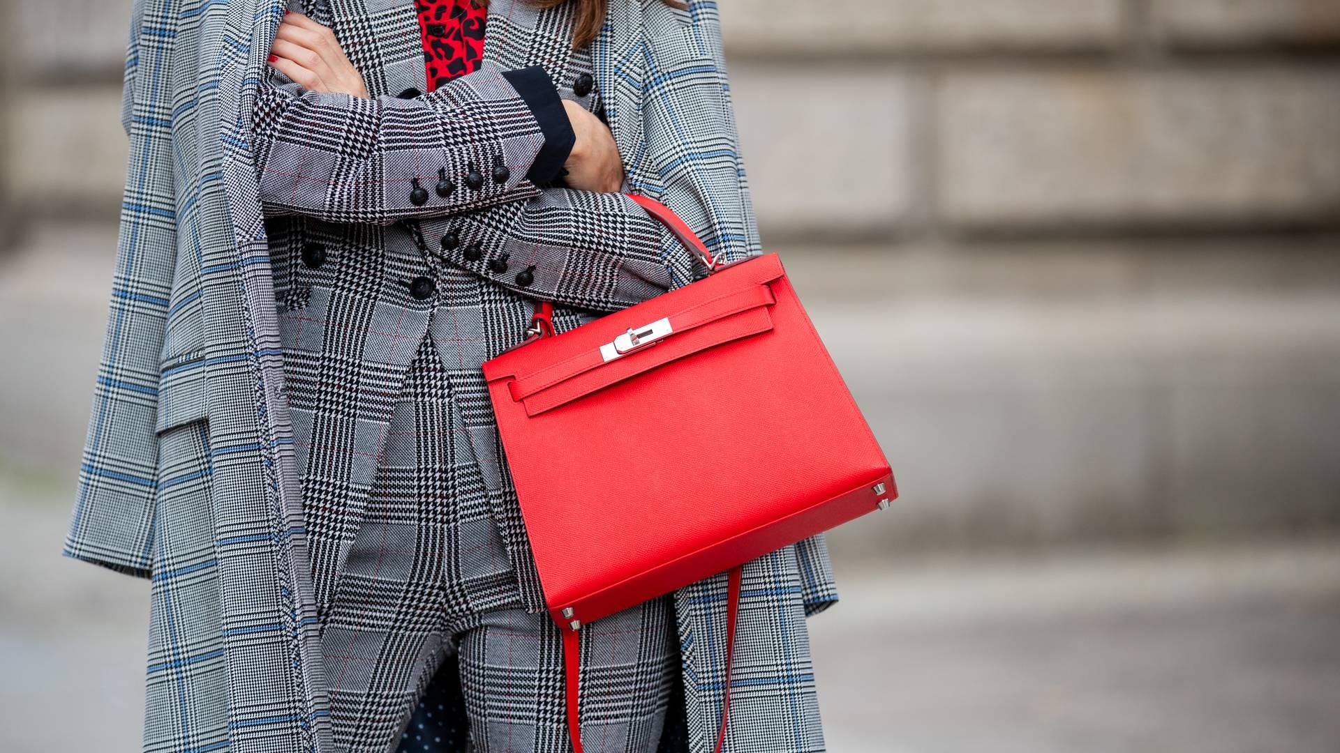 Z czym łączyć ubrania w kolorze khaki? - Sklep Online