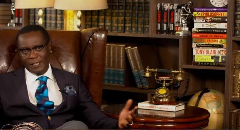 Mutahi Ngunyi explaining how Raila Odinga has used the handshake deal to sink Uhuru Kenyatta