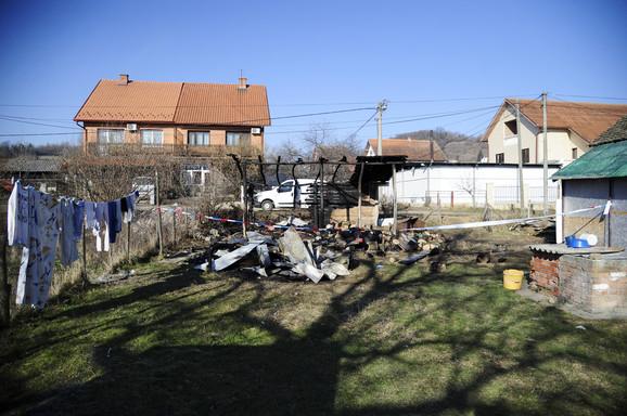 Izgorela šupa u kojoj su se nalazila drva za ogrev