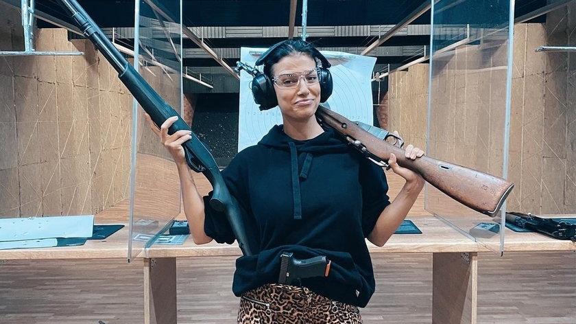 Alżbeta Lenska pojawiła się ostatnio na strzelnicy. Ujawniła, że poszła tam w towarzystwie aktora Roberta Moskwy