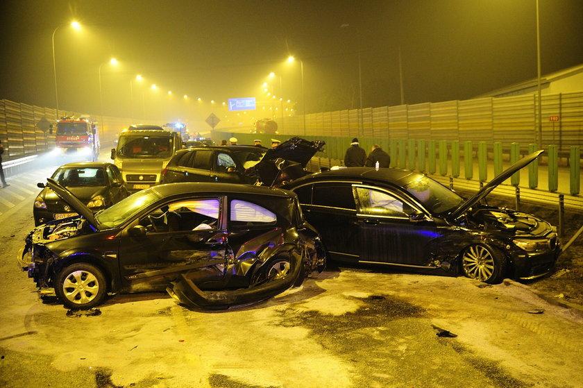 Wypadek limuzyny szefa MON Antoniego Macierewicza