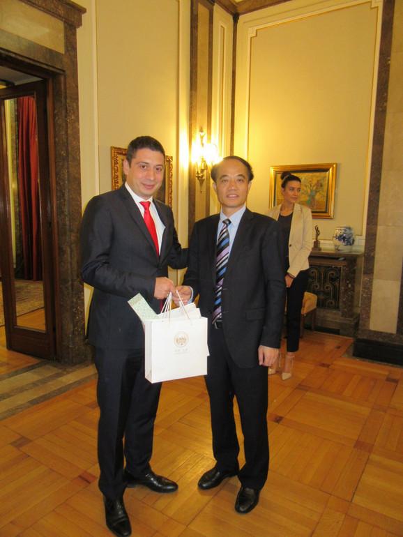 Dragomir Petronijević i Jang Šajuan