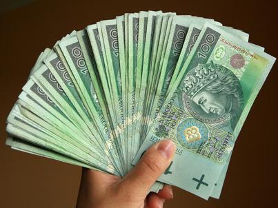 Wszystkich pozostających w obiegu banknotów jest prawie 2 mld sztuk
