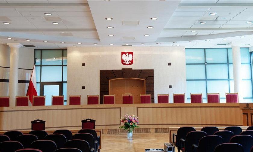 Sędziowie TK płacili za pisanie projektów orzeczeń