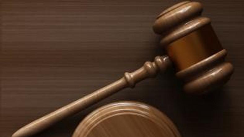 22-latek, który po pijanemu podpalał auta, może zostać skazany nawet na pięć lat więzienia