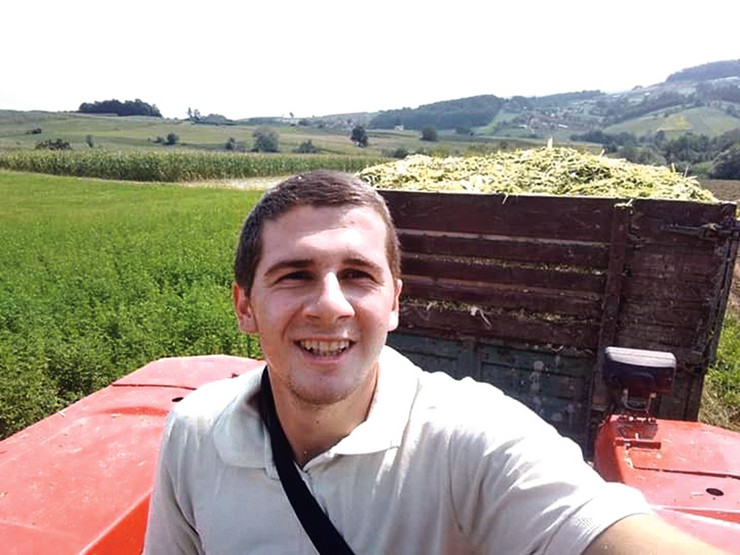 Posle završenog fakulteta vratio se u svoj kraj jer želi da pomogne razvoju poljoprivrede u Srbiji
