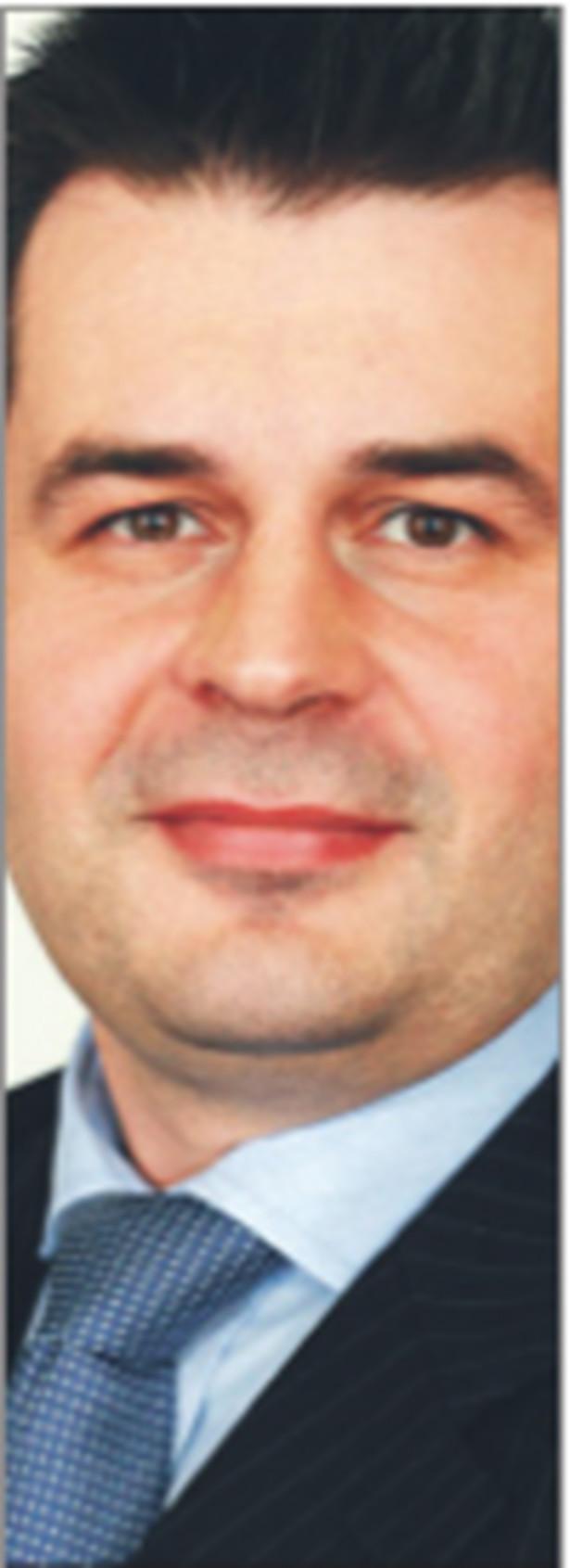 Jarosław Brzozowski, wicedyrektor w zespole restrukturyzacji w firmie doradczej KPMG