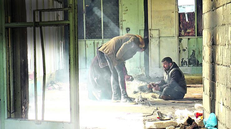 Oronula zgrada železničke stanice u Banji Koviljači pretvorena je u spavaonicu