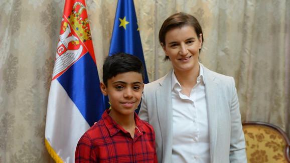 Ana Brnabić i Farhad Nuri, talentovani avganistanski dečak