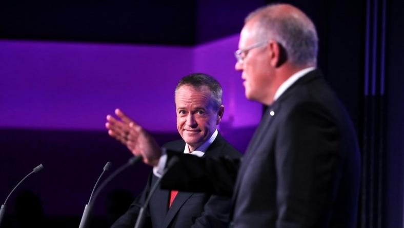 Final polls put Shorten (L) on track to secure the first centre-left parliamentary majority in six years