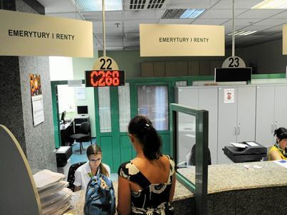 """Najniższa emerytura wzrośnie """"na rękę"""" o 23,41 zł"""