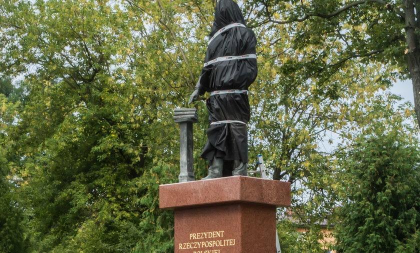 Pomnik Lecha Kaczyńskiego w Siedlcach
