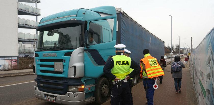 Policja kontroluje ciężarówki na Morenie!