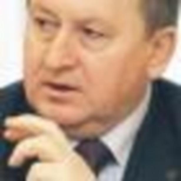 nstytucje państwowe odpowiedzialne za gospodarkę powinny jak najszybciej podjąć działania ułatwiające m.in. inwestycje dla przedsiębiorców, dostęp do źródeł finansowania i rozwój budownictwa mieszkalnego - powiedział prezes Związku Banków Polskich Krzysztof Pietraszkiewicz. Fot. GP