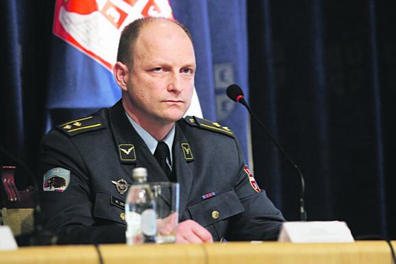 Miroslav Zečević, komandant 890. helikopterske eskadrile