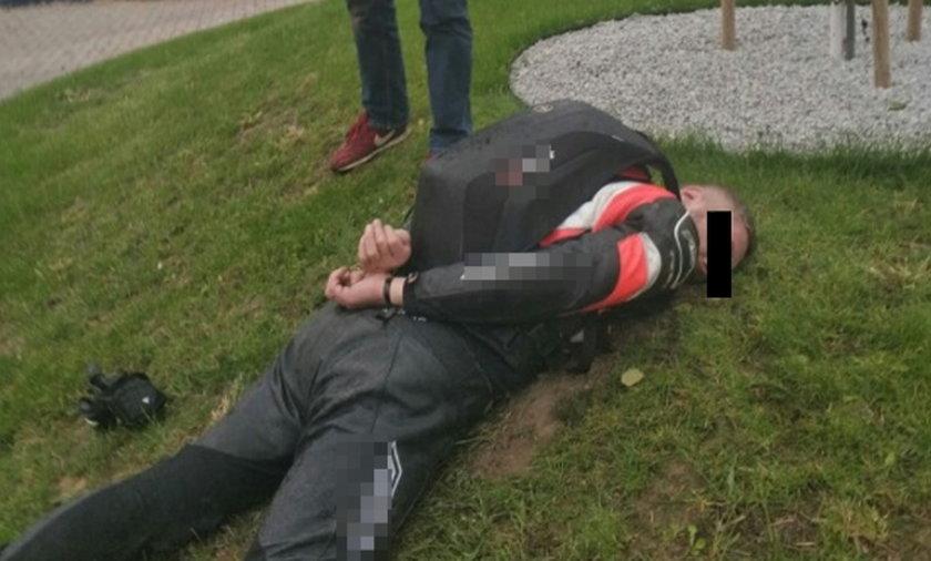 """Stołeczni policjanci zatrzymali """"Snajpera"""". To on postrzelił """"Muła""""?"""