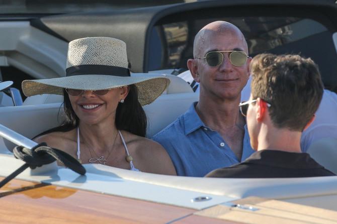 Loren Sančez i Džef Bezos u Sen Tropeu