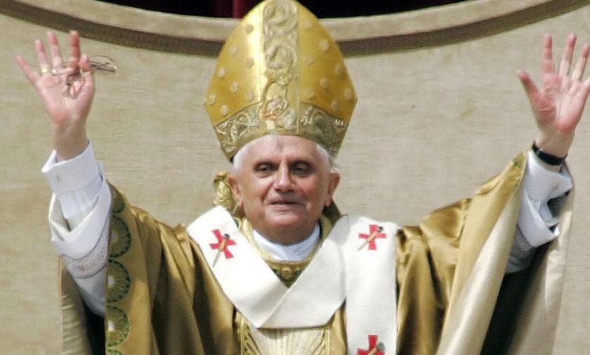 Papież Benedykt XVI się żegna