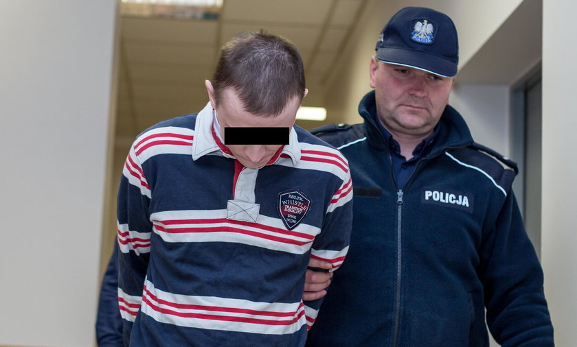 Patryk R. odpowie przed sądem za pobicie swojego synka