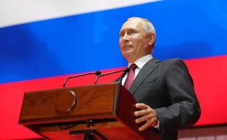 Putin: Rosja będzie nadal rozwijać armię, by bronić swej suwerenności