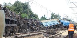 Saletra pod pociągiem! Zobacz zdjęcia z katastrofy pod Wronkami
