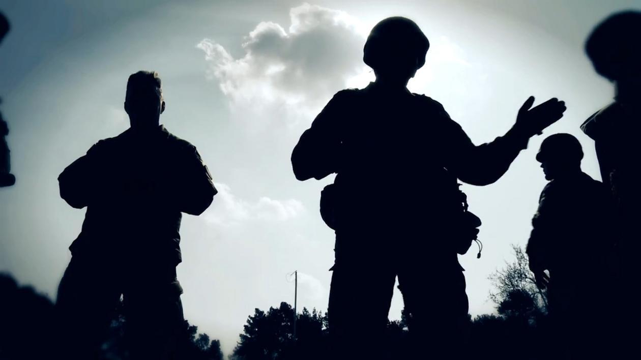 Specjalna jednostka Nil powstaje w 2009 roku. Projekt wspierają Amerykanie. Wkrótce pierwsi żołnierze pojechali na wojnę do Afganistanu