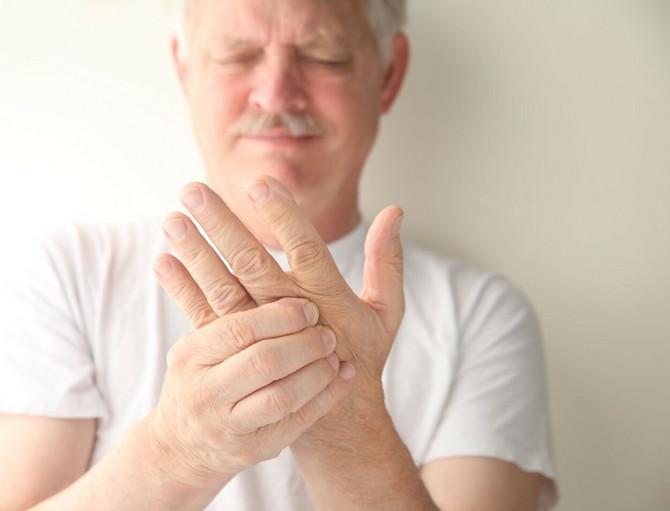 Trnjenje ruku kao potencijalni simptom korona virusa