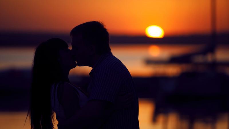 Idősebb lány randi egy fiatalabb fiú