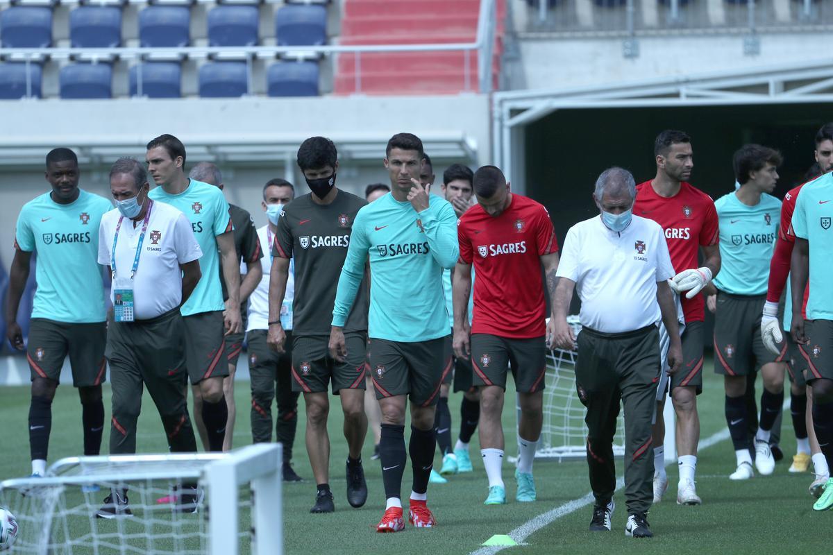 Íme Ronaldo és a portugál válogatott első labdaérintései Budapesten - exkluzív fotók, videó