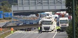 Fatalny wypadek. Polak zawadził koparką o most
