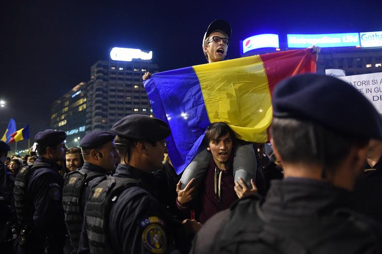 """Proteste în România după un incendiu de club """"colectiv"""" In Bucuresti"""