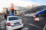 Novi Sad383 nevreme srusilo NIS benzinzku pumpu mala pecurka foto Nenad Mihajlovic