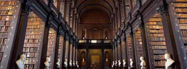 Biblioteka Trinity College w Dublinie (zdjęcie ilustracyjne)