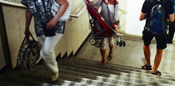 Muke i za majke sa dečjim kolicima