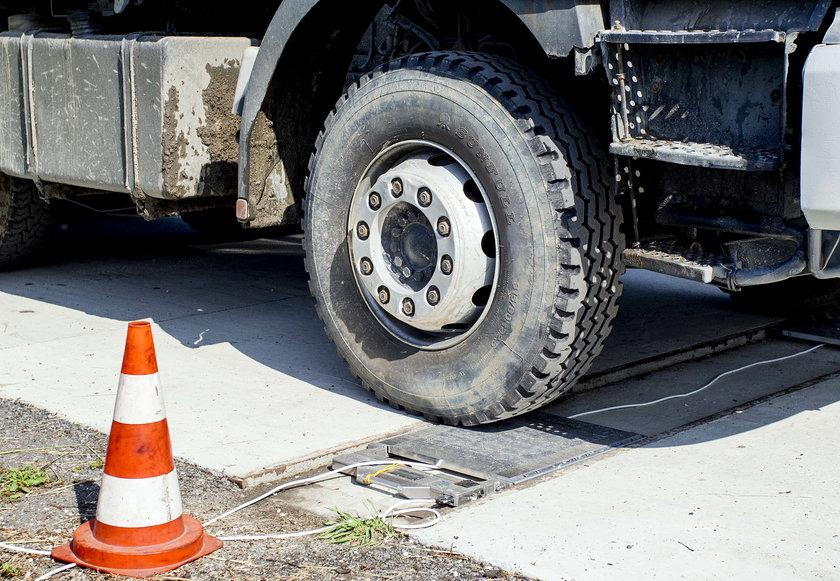 W Krakowie ważą ciężarówki