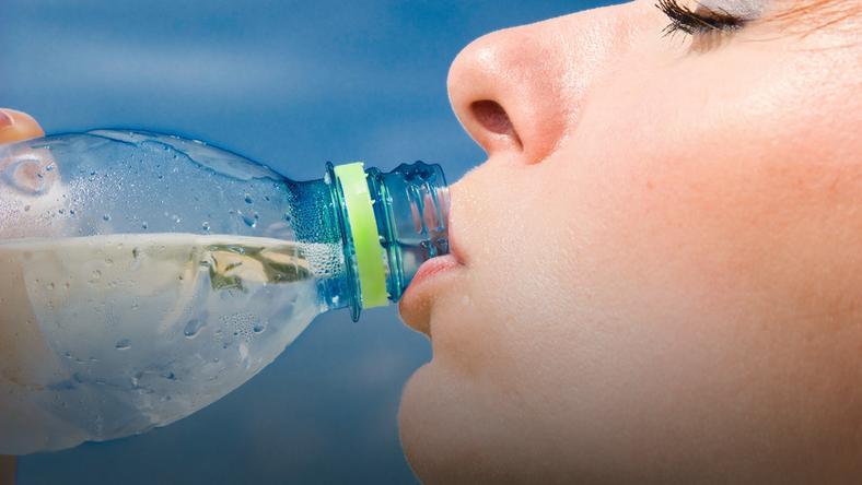 Woda w butelce – biznes wart w Polsce miliardy