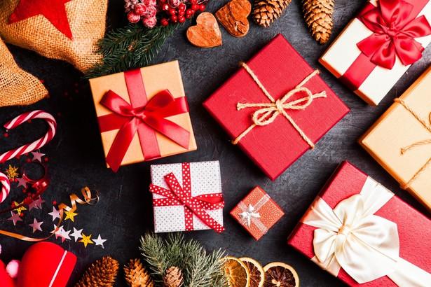 """W Stanach Zjednoczonych """"Christmas"""" już bardzo dawno temu stało się także fenomenem kulturowym z własnymi symbolami, obyczajowością, a nawet literaturą."""